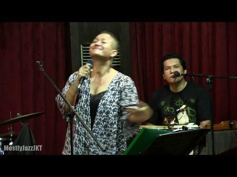 Bonita & The Hus Band - Juwita Malam @ Mostly Jazz 13/09/13 [HD]