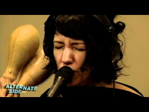 """Autolux - """"The Bouncing Wall"""" (Live at WFUV)"""