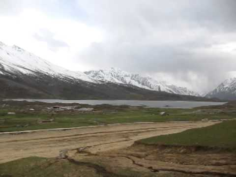 Pit stop on the Shandur Pass
