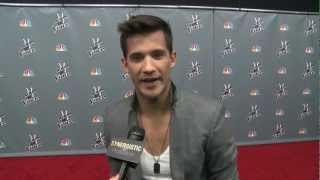 Dez Duron | Finding His Groove & Keeping It! | The Voice Season 3 Top 8