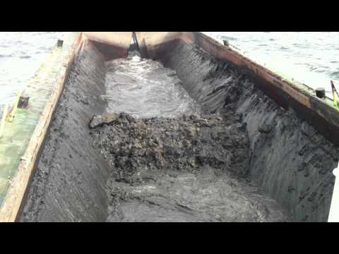 Split Barge Corksand - Discharging at sea
