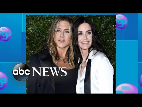 Jennifer Aniston, Courteney Cox arrive at benefit in coordinated outfits