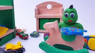 Green Baby CLEANING HIS ROOM - Animation Clay Play Doh Cartoons For Kids