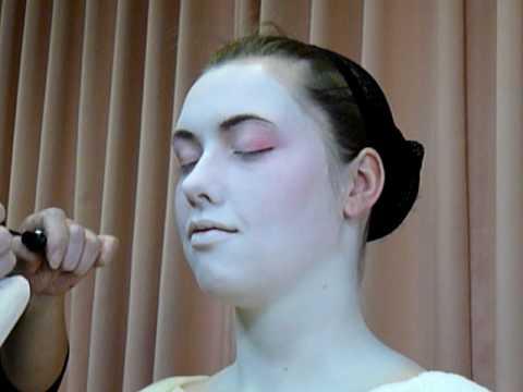 Maiko dressing- makeup 2
