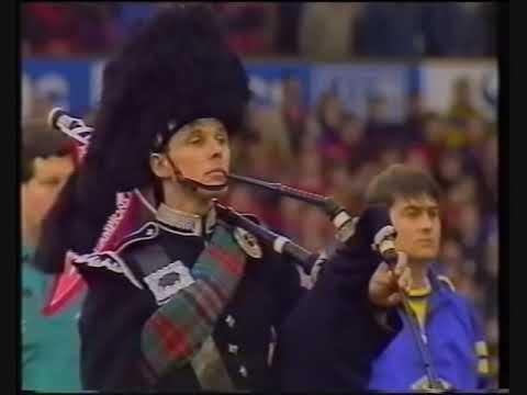 MUFC V Everton - Sir Matt Busby DIES - Minute silence 1994