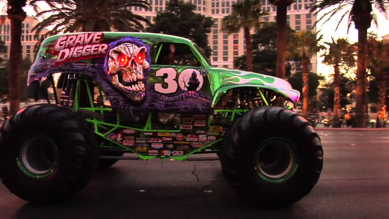 Monster Jam World Finals 2012 Grave Digger 30th Anniversary Parade On The Las Vegas Strip Youtube