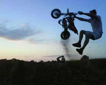 comment d truire une pit bike youtube. Black Bedroom Furniture Sets. Home Design Ideas