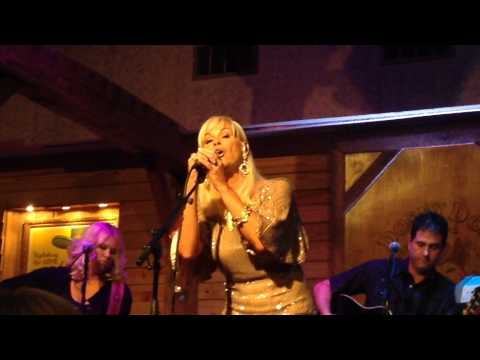Lorrie Morgan - It's a Heartache (Live from the Woodlands)