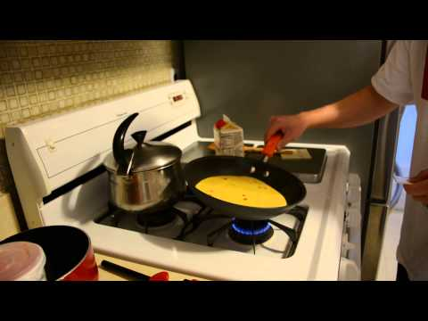 How to Cook an Egg Omelette: Eggbeaters