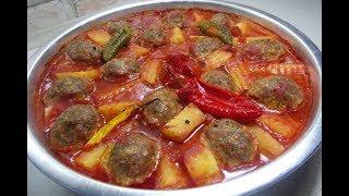 Reteta Chiftele cu sos si cartofi la cuptor