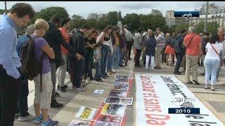 في باريس.. وقفة للتنديد بالأسد في ذكرى مجزرة الكيماوي
