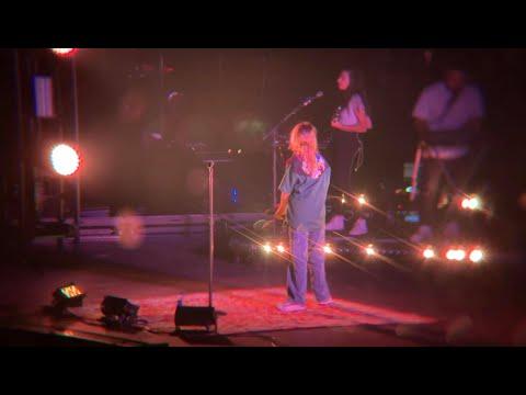 Clairo - Throwaway ☆ 190620 LIVE @ Gila River Arena, Phoenix AZ