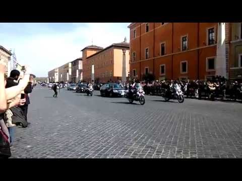 Queen Elizabeth visits Pope Francisc in Rome 2014