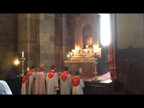 Армянская церковная служба в церкви Св. Рипсиме.