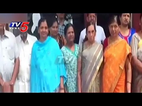 Khammam Tourists Cheated By Private Travels | Manasarovar | TV5 News