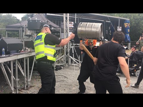 Policeman joins Slipknot cover band Slipknowt as they play Duality at Sixfields Rock Festival 2017