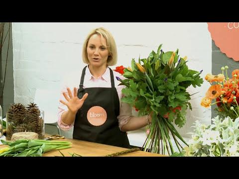 Simple Bouquet Arrangement | Hand tied Flower Bouquet Arrangements Tutorial