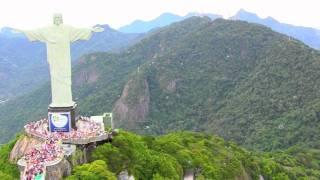 Полет на вертолете над Рио-Де-Жанейро: Статуя Христа Искупителя