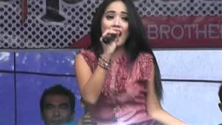 Video Full Lagu Dangdut Romansa Terbaru 2016 - Lagu Galau (EDOT ARISNA) download MP3, 3GP, MP4, WEBM, AVI, FLV Agustus 2017