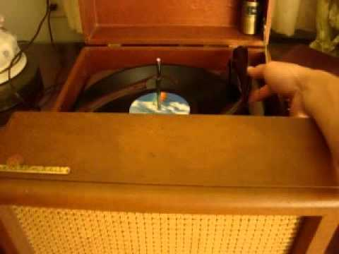 vintage Voice of Music VM Tri-O-Matic record player turntable