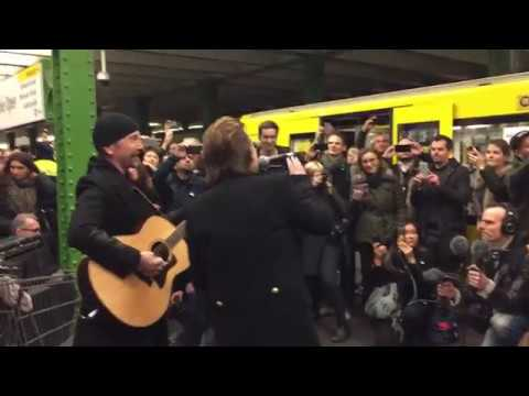 """U2: Live in der Berliner U-Bahnlinie U2: """"Get Out Of Your Own Way"""", """"Sunday Bloody Sunday"""" und """"One"""""""