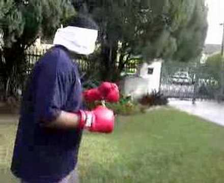Blindfold Boxing AfromanNavin VS The Cotch Ernie