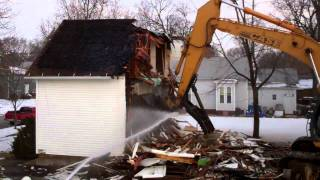 House Demolition in 40 seconds & Then Was Recycled