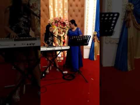 Real Wedding Singers ;) Marusya Fisilia Pontororing, Natalia Pontororing