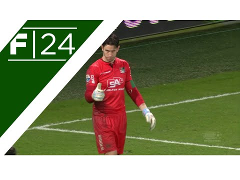 Brad Jones pulls off incredible penalty save