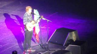 Ed Sheeran - Give me love live @Palalottomatica - Roma (26/01/2015)