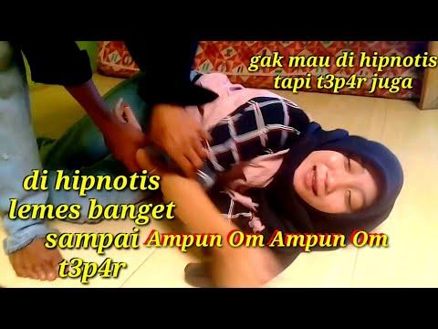 Prank Hipnotis Wanita Cantik Geli Lemes Banget Bikin Ngakak Sampai Panik