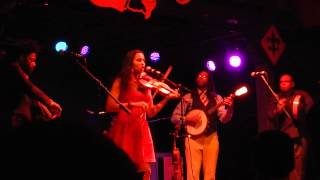 Carolina Chocolate Drops - Pretty Little Girl With the Blue Dress On