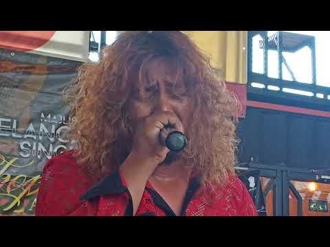 Guitarist 🎸 Eddy Wan Osman Iringi Uchop Ahmad - Abadi Kasihku