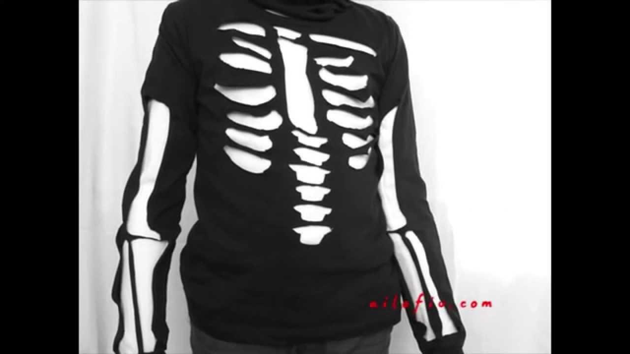 4e2177470 Cómo hacer un disfraz con una camiseta - YouTube