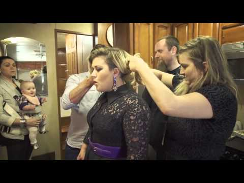 Kelly Clarkson - Behind the scenes at La Voix in Montreal
