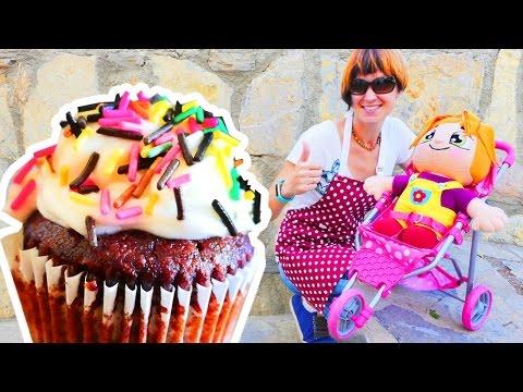 Видео для девочек. Готовят вместе сладости.