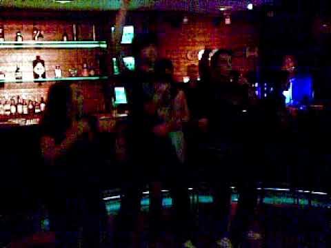 Lucia, Javi Pop, Antonio y Pili en Karaoke