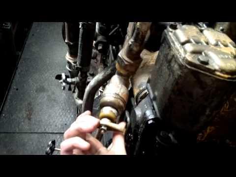 видео: запуск дизелей на теплоходе РТ