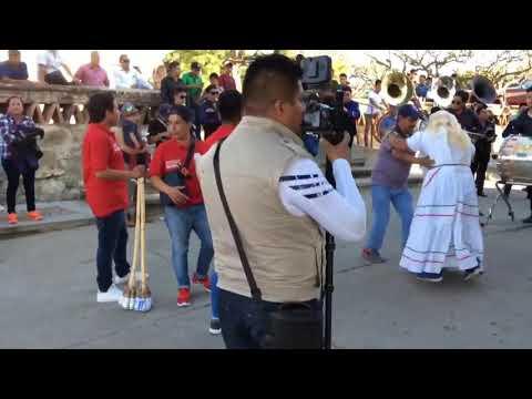 Los Gemlins y La Tormenta - Banda Imperial de Huajuapan (Muerteada Guadalupe Etla 2017)