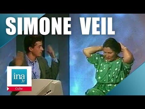 Quand Simone Veil enlevait son chignon pour C. Dechavanne | Archive INA