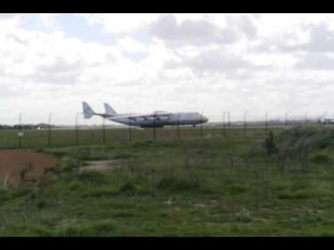 Antonov An-225 Mriya landing in Perth