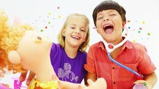 Видео для детей с игрушками. Играем в Дочки матери