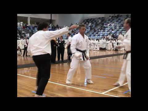 2004 gkr aus nats ring3 teens 3rd+ kumite 02 from YouTube · Duration:  1 minutes 30 seconds