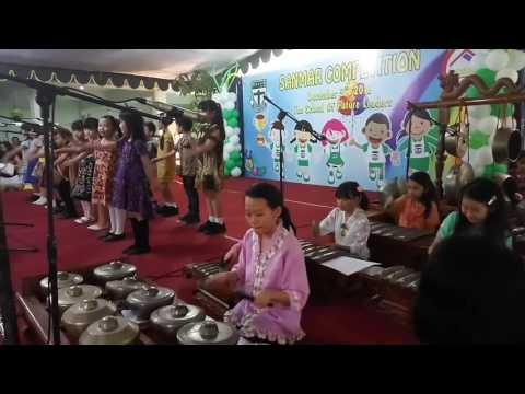 Childrens playing gamelan music
