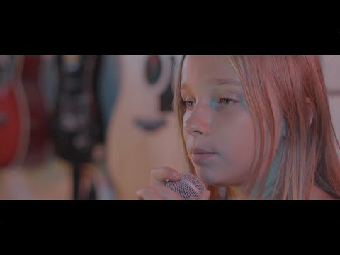 Sweet Child O' Mine cover by Jadyn Rylee Feat. Jessica Lajner