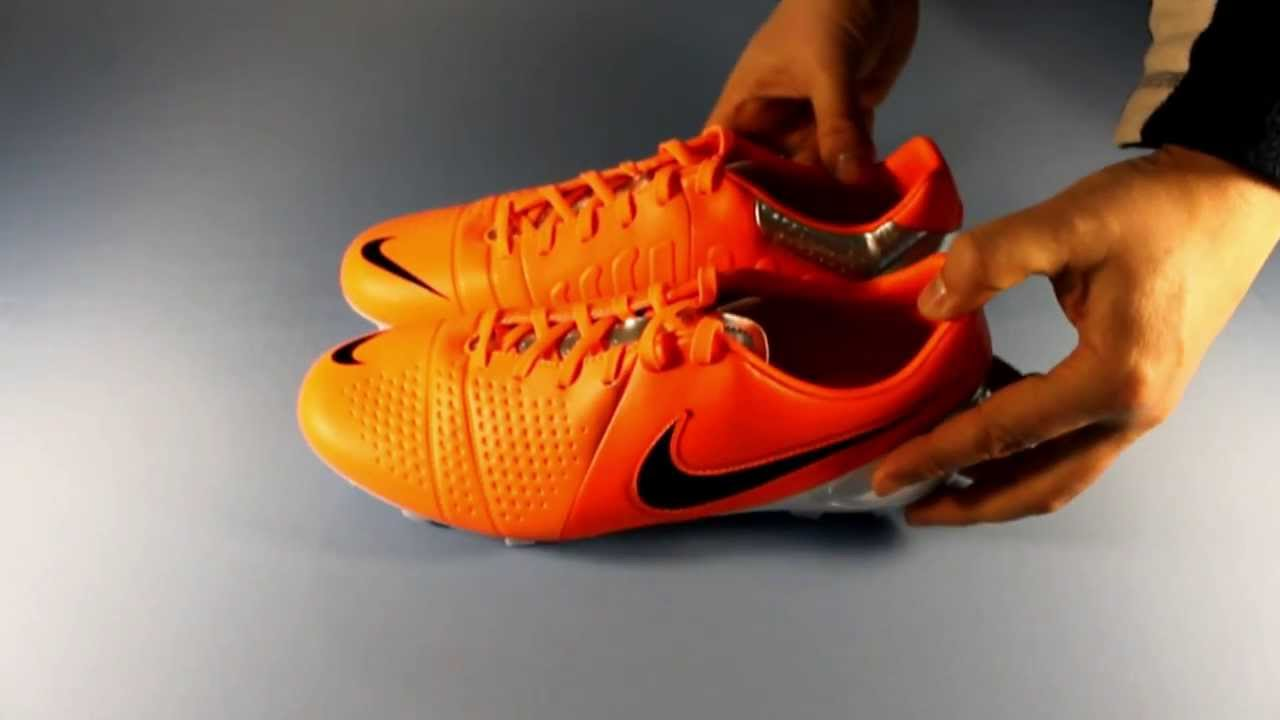 Nike ACC vs Adidas NSG - Which football boot technology works best .