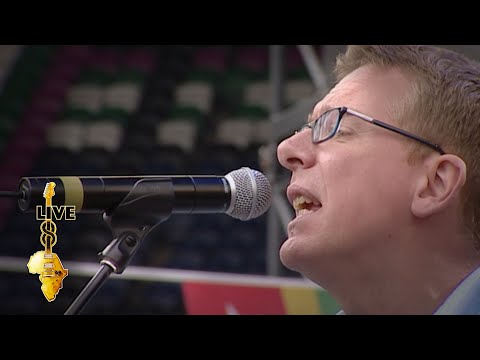 The Proclaimers - I'm Gonna Be (500 Miles) (Live 8 2005)