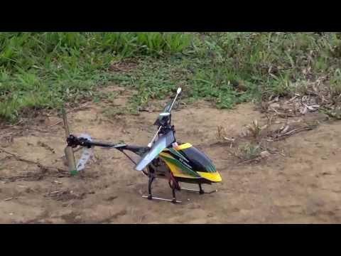 Helimodelo WLToys V912, primeiro voo Outdoor (Bird Attacks RC helicopter)