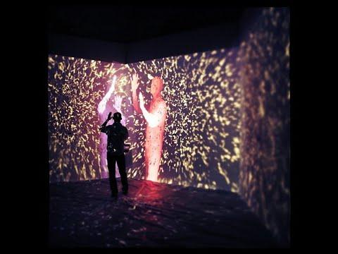 Il Dono della Massa     The Gift Of Mass  •  interactive AV installation