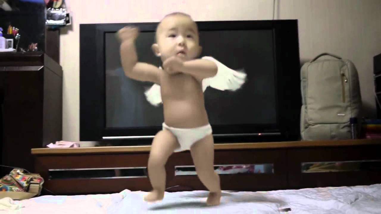thai dance funny sexy - XVIDEOSCOM